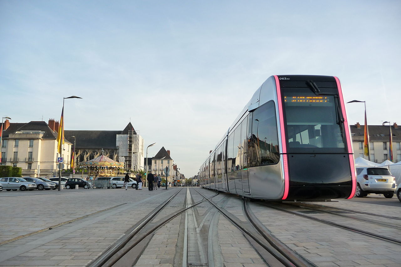 Le Tramway de Tours: the world's most beautiful tramway?