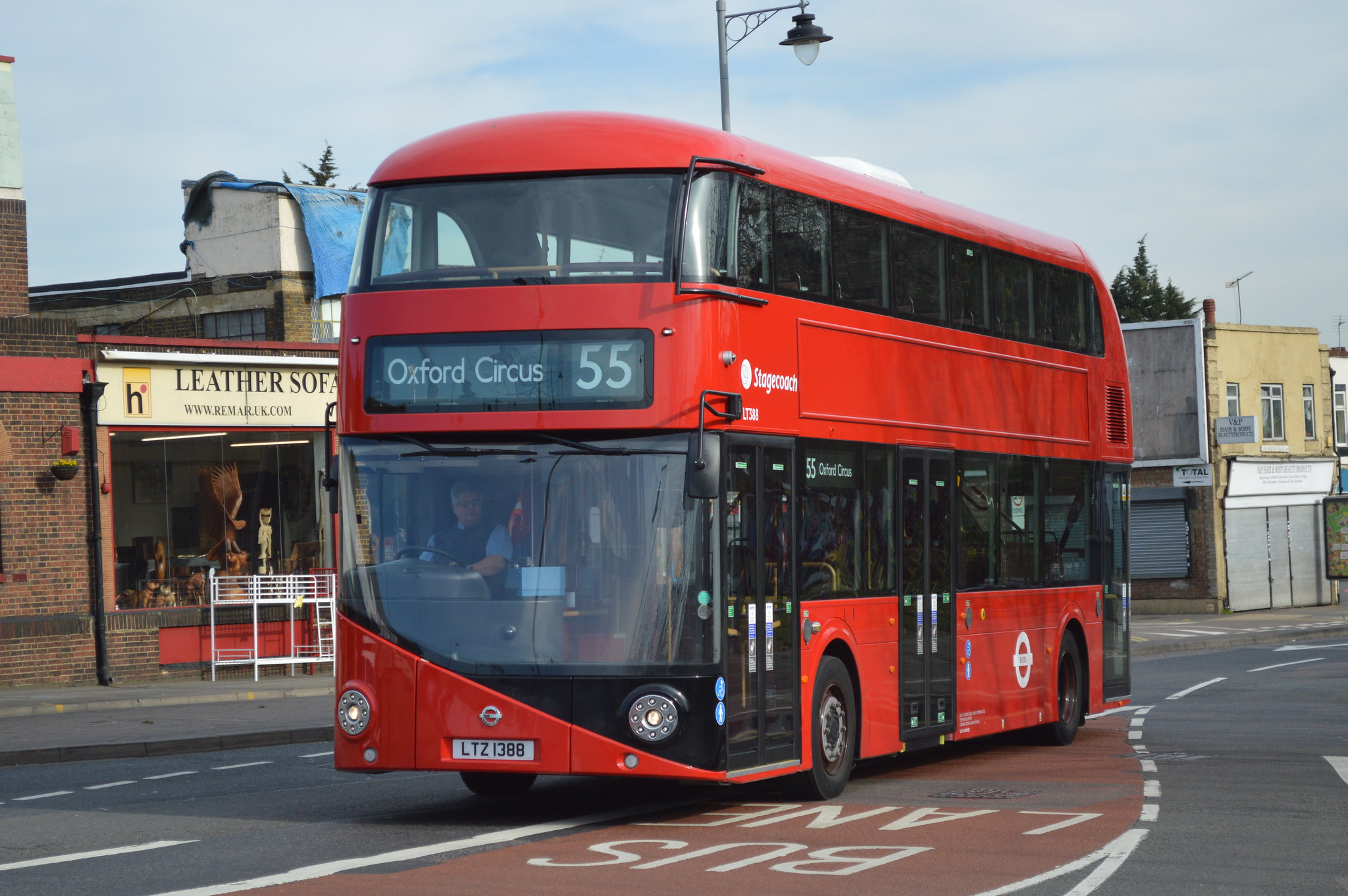 #AYearOfBuses 355: Walthamstow – Oxford Circus
