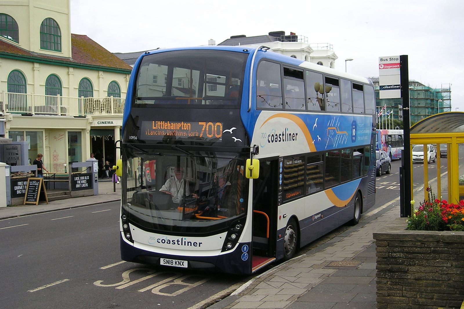 #AYearOfBuses 70: Coastliner 700 Brighton – Portsmouth