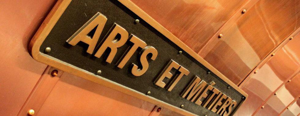Arts Et Metiers signage