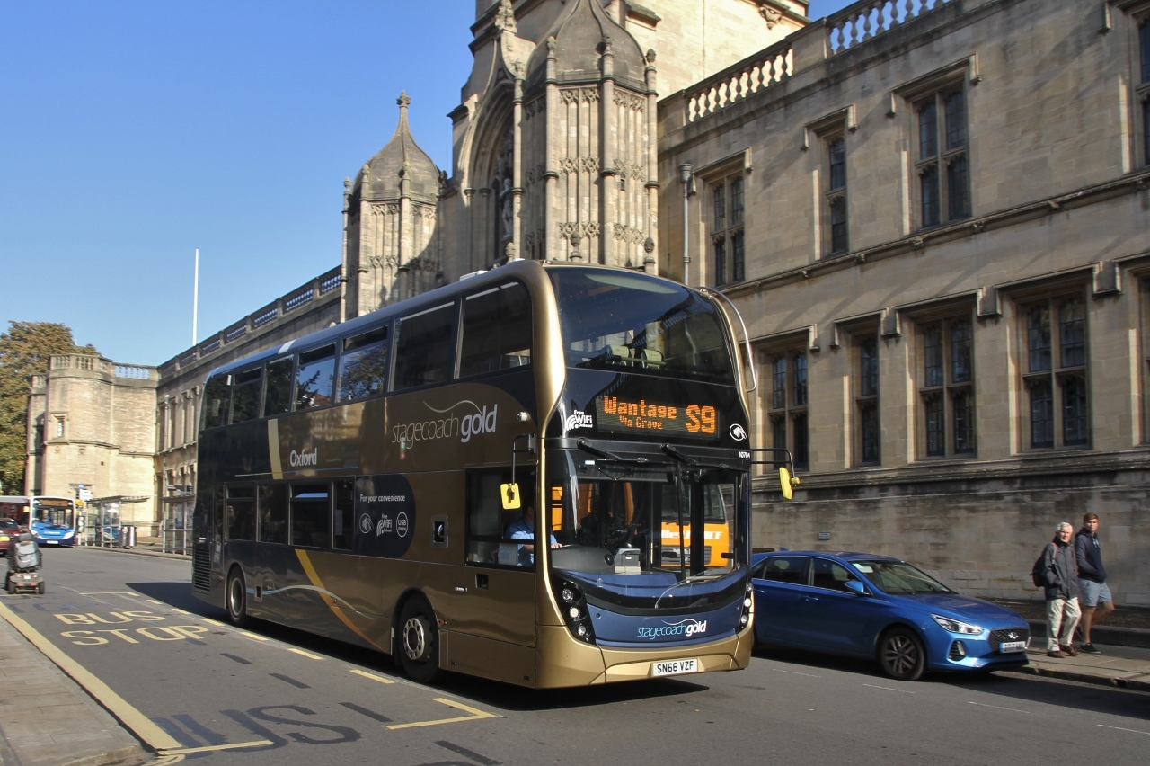 #AYearOfBuses 209: Gold S9 Wantage – Oxford