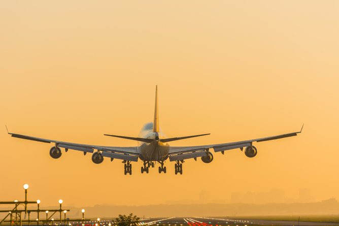 Boeing 747: into the sunset.